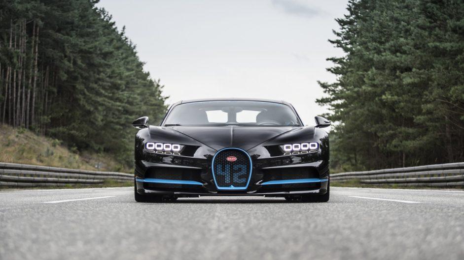montoya-bugatti-chiron-2017-34-941x529